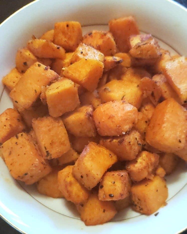 Sweet Potatoes with Seasoning Roasted in Air Fryer