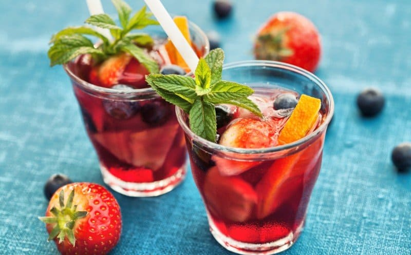 Easy Fruity Sangria with Red Wine and Prosecco