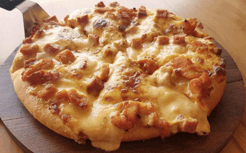Air Fryer Buffalo Style Chicken Pizza